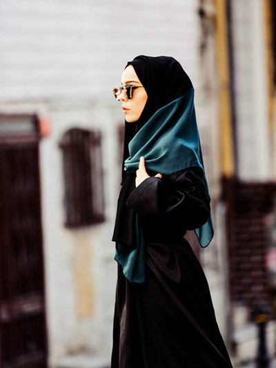 Argite Two Colored Chiffon Shawl - Emerald & Black - NisaLife - Buy Fashion Muslim Women Clothing, Hijab, Dress Abaya, Scarf, Shawl, Headscarf