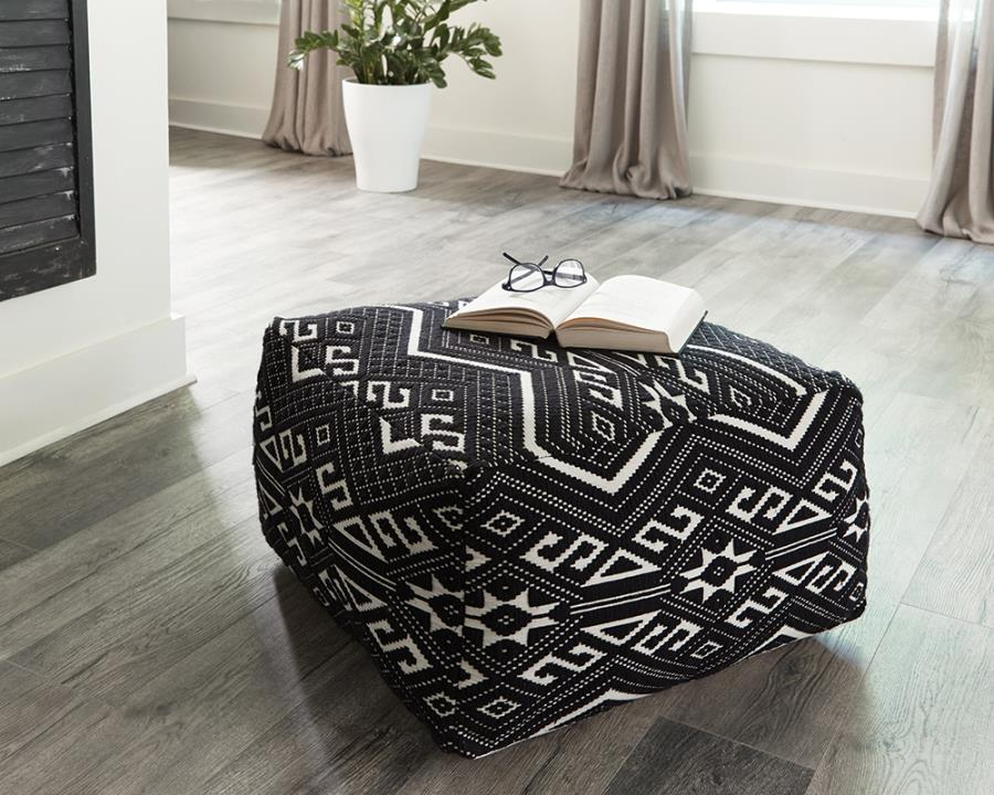 Ivo Accent Stool