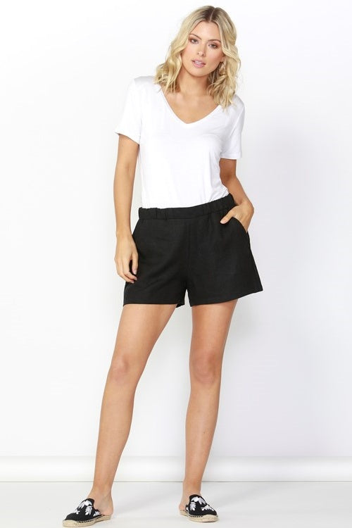 Jax Linen Shorts in Black