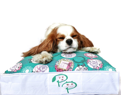 SHABBY CHIC DESIGNER DOG BED - ARMOUR - Pet Pouch