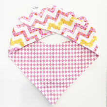 DAISY CHAIN - DOG BANDANA - Pet Pouch
