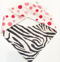 ZEBRA CROSSING - DOG BANDANA - Pet Pouch