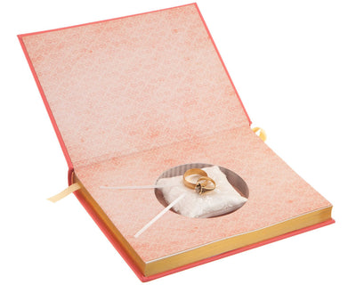 Ring Bearer with Pillow - A Little Princess by Frances Hodgson Burnett (Leather-bound)