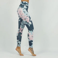 https://s3-us-west-2.amazonaws.com/ec-videoproducts/actiwears/lady-floral-leggings.mp4