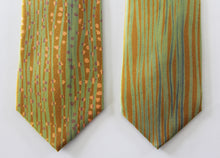Medium stripe crepe satin silk tie