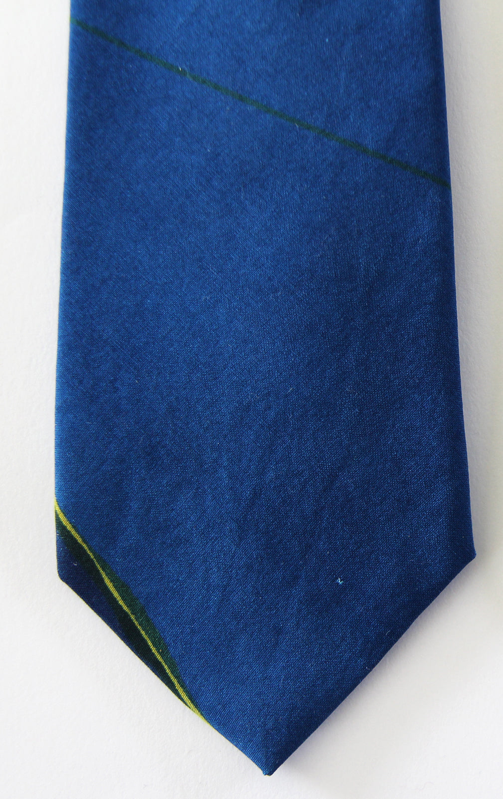 TRIANGLES design - blue sandwashed spun silk tie