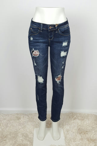 YMI Distressed Skinny Jeans Mid Rise Novelty Wash with Patches