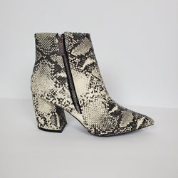 Women's Pointy Toe Stone/White Snake Print Pointy Boots