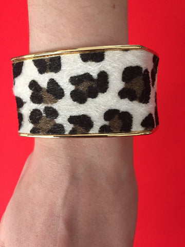M A X • BRACELET ~ Beautiful Faux Fur Leopard Print With A Twist