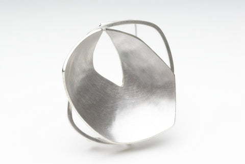 Silver formed brooch by Michele Wyckoff Smith (UK).