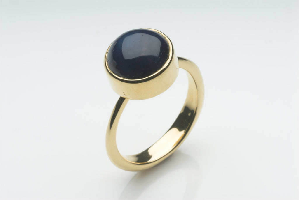 Blue Star Sapphire 18 ct Gold Ring