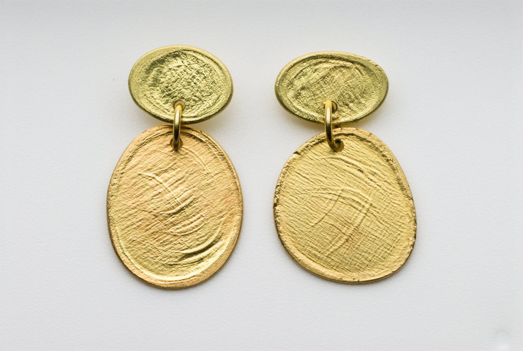 Textured 18 ct gold earrings