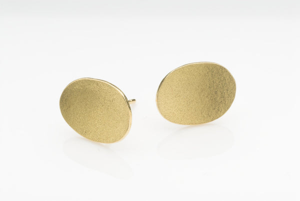Oval textured gold earrings by Wyckoff Smith Jewellery on www.wyckoffsmith.com