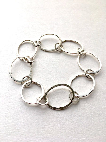 Open oval chain Tori bracelet also used as extension in modular jewelry collection.