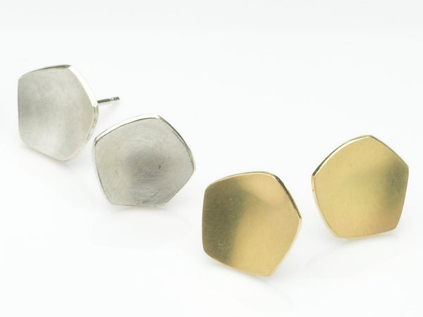 Comparison photograph of silver and gold Calyx stud earrings on www.wyckoffsmith.com