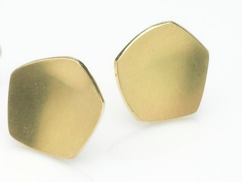 Calyx shaped 18 ct gold stud earrings.