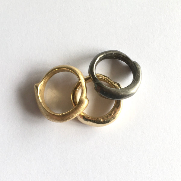 SALE: Gold Plate or Rodium Curved Zen Ring