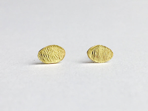 Textured 18 ct gold stud by Michele Wyckoff Smith