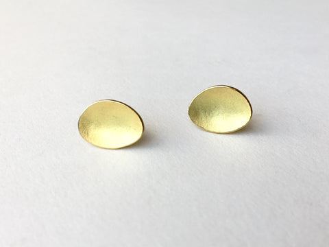 Oval textured 18 ct gold earrings by Michele Wyckoff Smith
