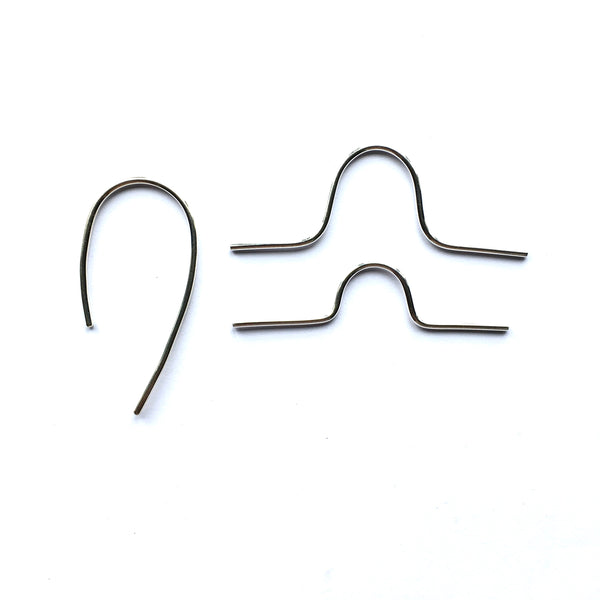 Comparison photograph of silver cable needles by www.wyckoffsmith.com