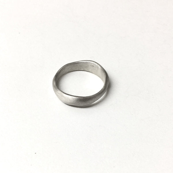 Uma Wedding Band - Organic shaped wedding ring by Wyckoff Smith Jewellery