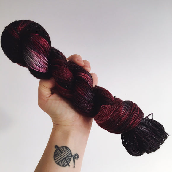 Black Heart - Hand dyed - 4ply/sock yarn - 100g/400m - superwash merino - nylon - sparkle
