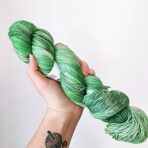 Oh Christmas Tree- Hand dyed - 4ply/sock yarn - 100g/400m - superwash merino - nylon - sparkle
