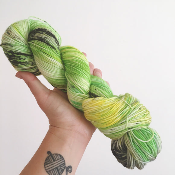 Kiwis - Hand dyed 4ply/sock yarn 100g/425m superwash merino, nylon blend