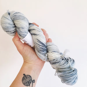 New Moon - Hand dyed-  DK - yarn - 100g/225m - superwash merino - nylon