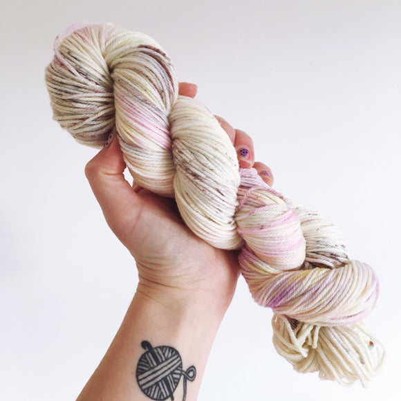 Mini Eggs - Hand dyed DK yarn 100g/225M superwash merino
