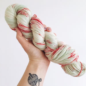 Pear Blossom - Hand dyed - 4ply/sock yarn - 100g/400m - superwash merino - nylon - sparkle