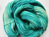 Felt - Hand dyed DK yarn 100g/225m superwash merino