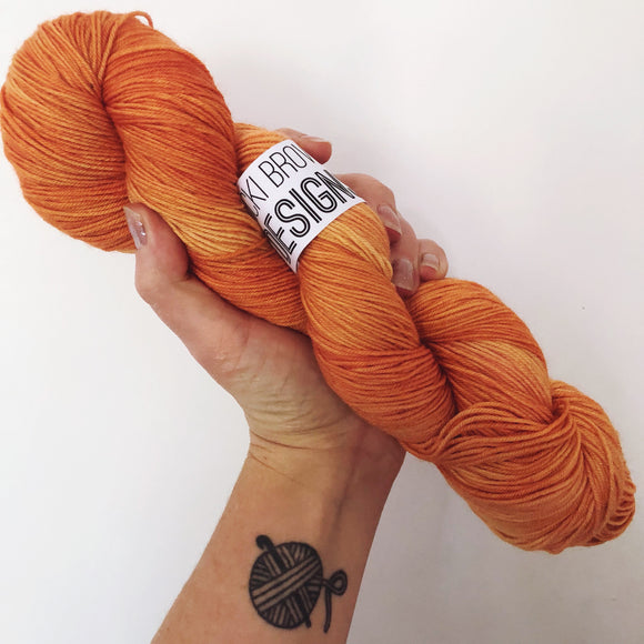 Kingfisher Orange - Hand dyed 4ply/sock yarn 100g/425m superwash merino, nylon blend