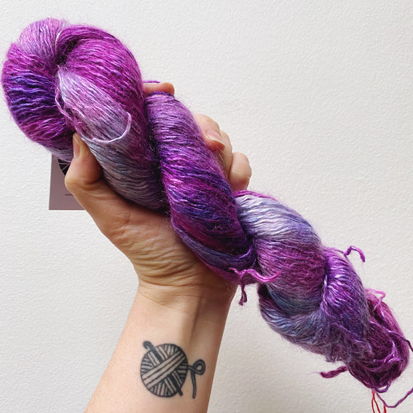Grape Bloom - Hand dyed - sock weight yarn - 100g/350m - Kid Silk Fluff
