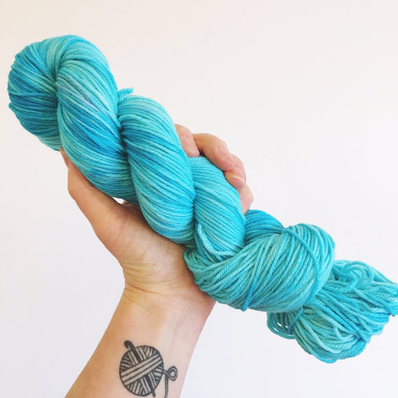 Electro Blue - Hand dyed DK yarn 100g/225M superwash merino