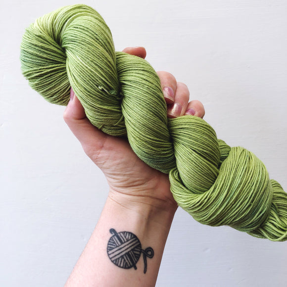 Avocado - Hand dyed 4ply/sock yarn 100g/425m superwash merino, nylon blend