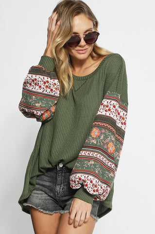 THERMAL WAFFLE KNIT TOP WITH BOHO PRINT BALLOON SLEEVES