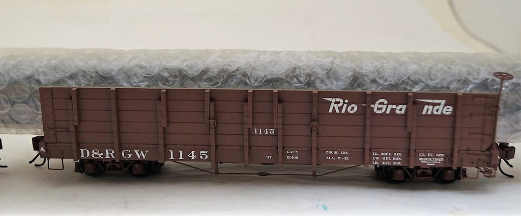 On3 San Juan Car Co  RTR Pipe Gondola with Idler Flat Car