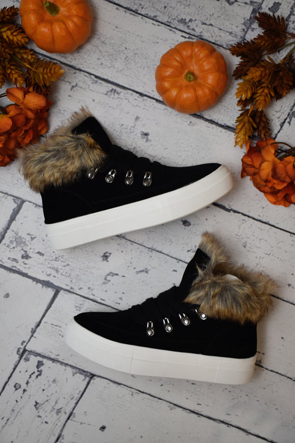 Thompson Fur Accent Sneaker {Black}