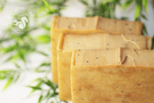 Lemongrass and Poppyseed soap with honey