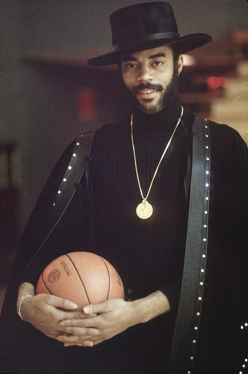 Basketball: NBA Finals: Casual portrait of New York Knicks Walt Frazier with basketball. New York, NY 5/6/1973 CREDIT: Walter Iooss Jr. (Photo by Walter Iooss Jr. /Sports Illustrated/Getty Images) (Set Number: X17606 TK2 ) *** Local Caption *** Walt Frazier
