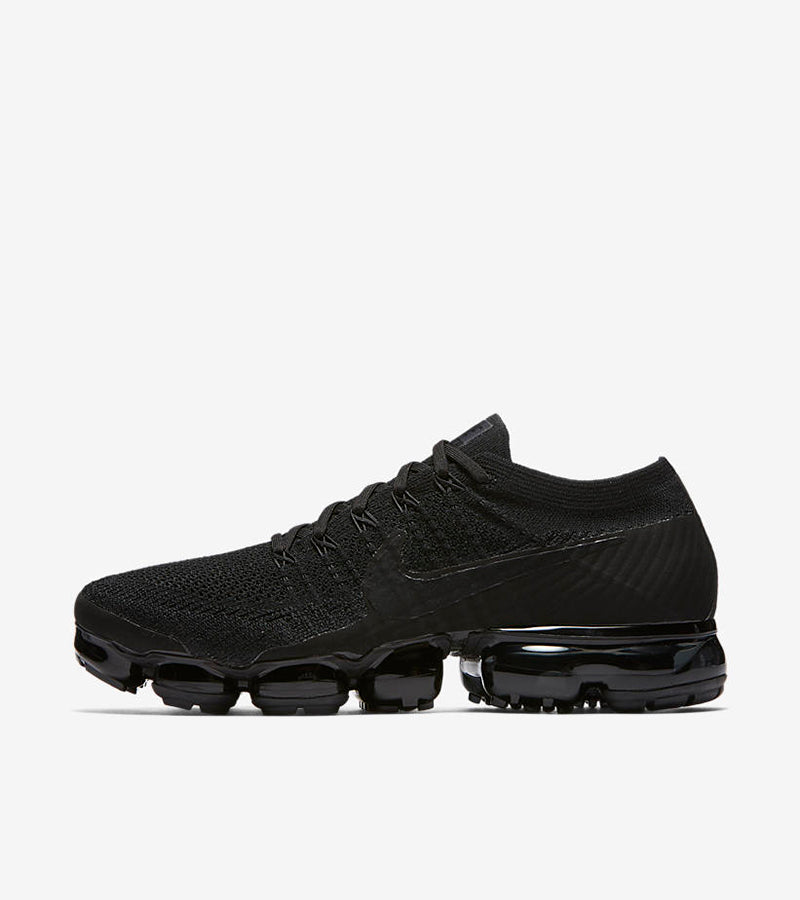 """Nike Air Vapormax Flyknit """"Triple Black"""" 849558-011.  BLACK/BLACK-ANTHRACITE-WHITE Price: £169.00. Launch: Friday 8th December  08:00GMT"""