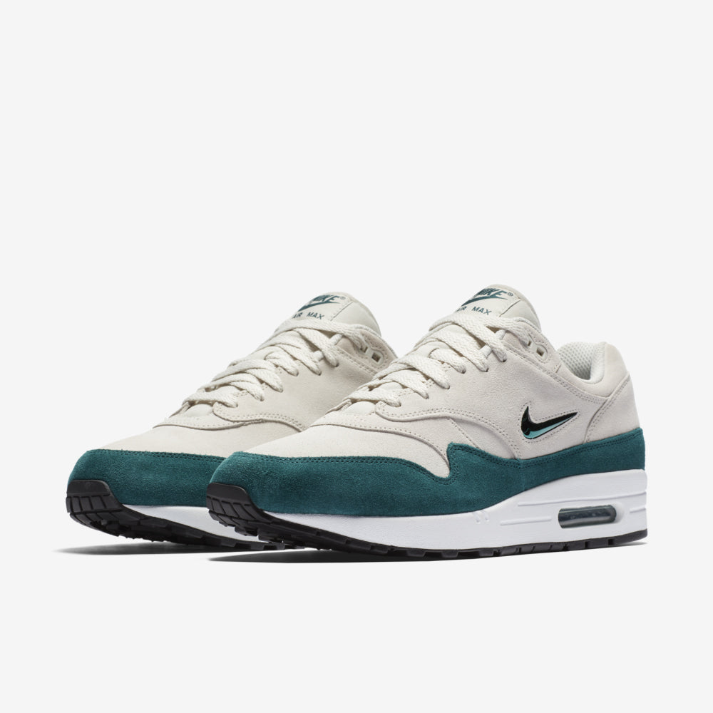 918354 003 Nike Air Max 1 Premium SC Light BoneDK Atomic