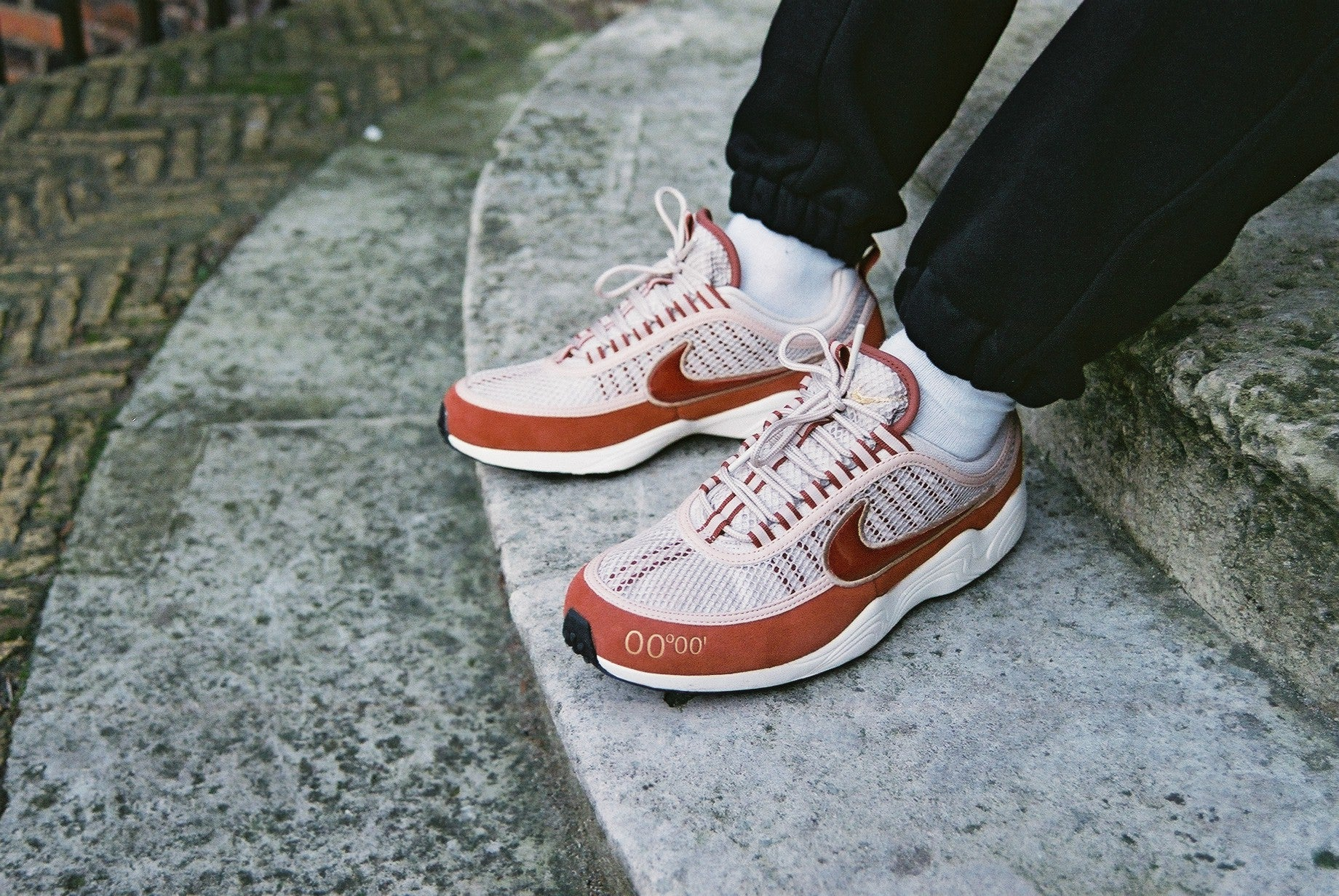 "06d031a0ad08a The Nike ""GMT Pack"" is exclusive to the UK, and features the classic Air  Zoom Spiridon and the Air Max 98. The pack is set to drop at HANON on  Friday 16th ..."