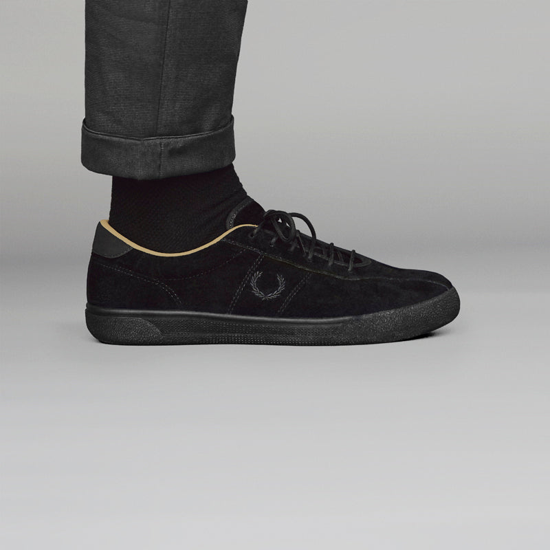 FRED_PERRY_BLACK_CHAMPAGNE_SHOT_01 800pix