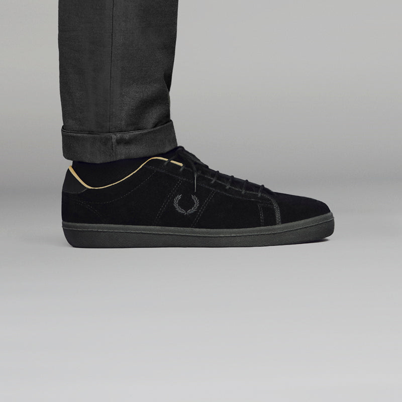 FRED_PERRY_BLACK_CHAMPAGNE_SHOT_02 800pix