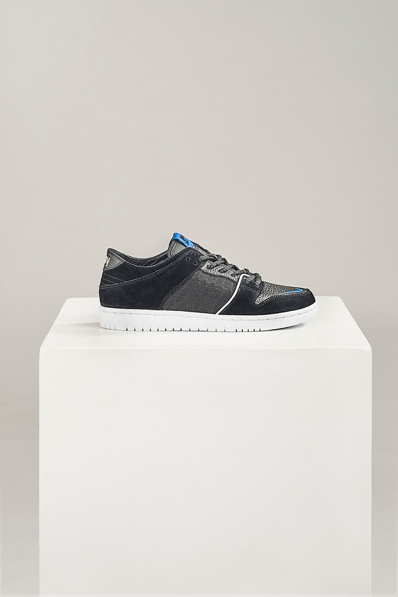 pretty nice d5f33 28752 Nike SB Zoom Dunk Low Pro Decon QS x Soulland 918288-041. BLACK GAME  ROYAL-WHITE Price  £95.00. Launch  Friday 15th December 08 00GMT
