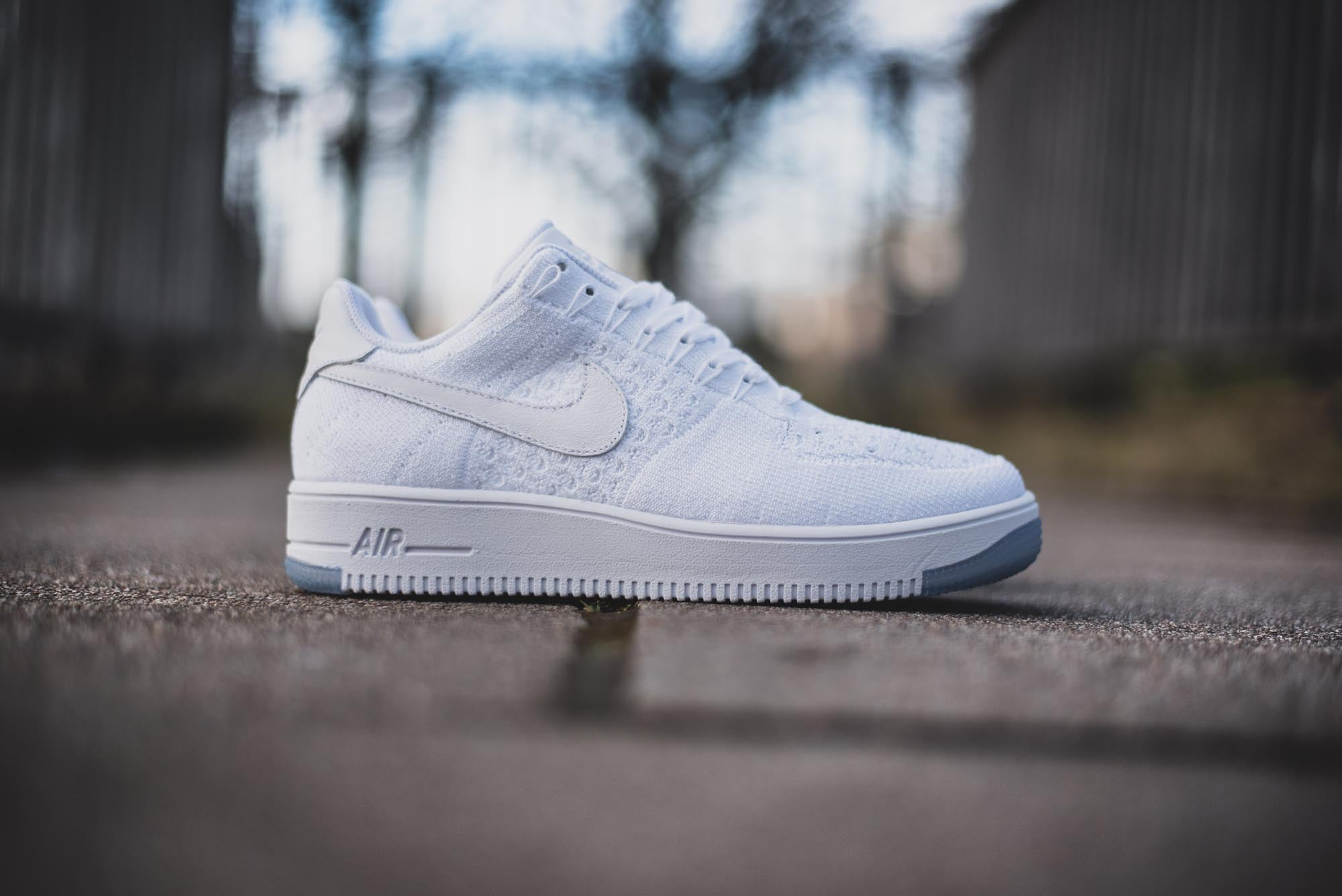 Nike Air Force 1 Flyknit Low 02