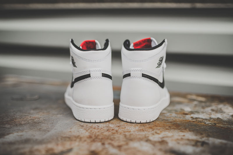 nike-air-jordan-1-retro-high-og-bg-07-800pix