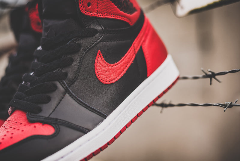 "Nike Air Jordan 1 Retro High OG ""Banned"" 555088-001 03 800pix"